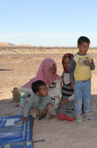 tag5 nomadenkinder in der wüste